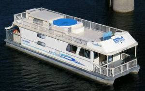 Shuswap Houseboat vacation for sale!