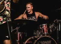 PRO DRUM LESSONS WITH A PRO DRUMMER