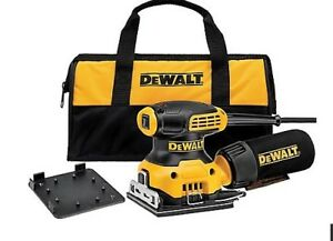 DEWALTH 2.3 amp 1/4 Sheet palm sander with contract bag