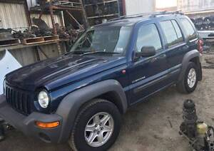 JEEP KJ CHEROKEE 3.7 WRECKER / JEEP SPARES, ENGINE AND PANEL CALL