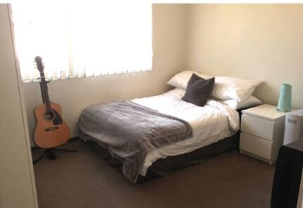 Double fully furnished city bedroom also bathroom to yourself large fully furnished double bedroom in randwick solutioingenieria Choice Image