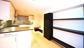 Beautiful 3 bedroom flat - NOTTING HILL available Now!!!!