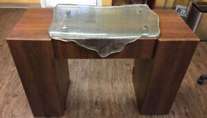 Barely Used-Manicuring Table-Excellent Condition
