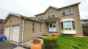 VERY SPACIOUS AND LUXURIOUS HOME IN NEWMARKET!