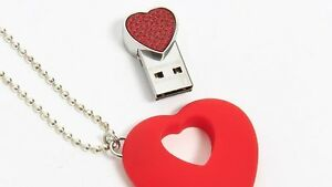 Heart-Shaped USB 4Go Necklace by Swarovski $60
