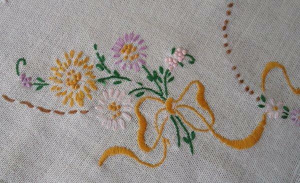 Vintage Irish Linen Table Runner Embroidered Laisy Daisy Bows Purple Yellow