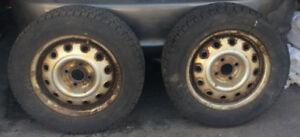 Pneus dur Jantes  (195-60-14)  SNOW Tires On Rims  (4x)