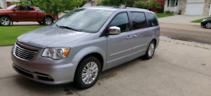 Chrysler Town and country Limited 2013