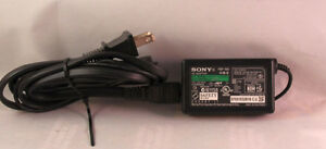 Sony PSP Power Adapter Charger  Like new