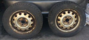 Pneus et Jantes  (195-60R-14)  SNOW Tires on Rims