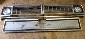 F100 F250. Grill & Headlight Buckets Bezels