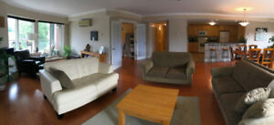 Beautiful large downtown condo 2bd + den