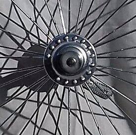 Roadbike wheels (4 pairs and 1 pair of rims)