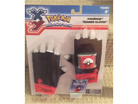Pokemon Trainer Gloves - Brand New Toy (TOMY)