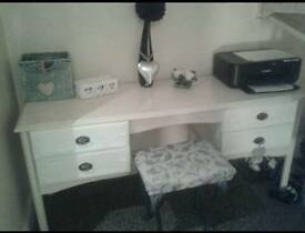 Dressing table shabby chic. Mirror and stool..