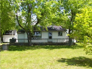 Pickerel Lake family oriented cottage prime bookings available