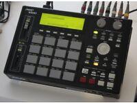 Akai mpc 1000 music production sampler/sequencer