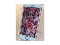 iPhone se IMMACULATE 6 months old boxed UNLOCKED