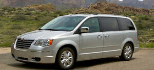 2009 Chrysler Town & Country Minivan, Van