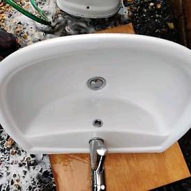 Shires Bath, toilet & sink