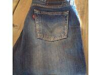 Levi Jeans - 30 x 32 Distressed Look - unisex