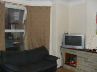 8 BEDROOM HOUSE, £347 PCM - St. Michael's Avenue, Headingley LS6