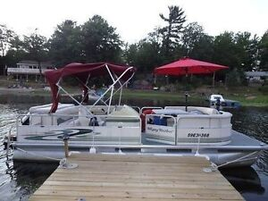 20' Misty Harbour Pontoon Boat for Rent