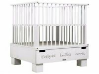 White baby playpen with drawers, great condition