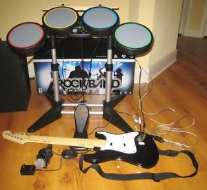 PS3 ROCKBAND SET INCLUDES EVERYTHING