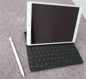 As new iPad Pro 10.5 256GB Wi-Fi+Cellular+case, pencil & keyboard