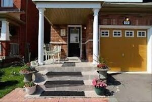 Semi, 3 bedrooms, Close to Square One, Hwy and GO