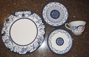The Royal Palaces Dinnerware & Serving Pieces by Rosina-Queens