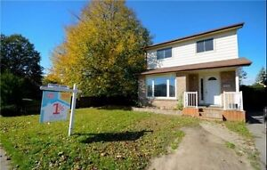 Detached House for Sale in Cambridge!! Cambridge Kitchener Area image 1