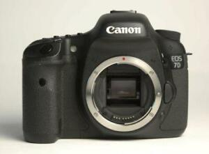 Canon 7D Body for Parts, Camera Flashes Battery and clicks