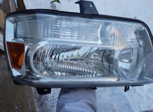 2006 Infinity QX56 - Headlight - Passenger Side with Harness