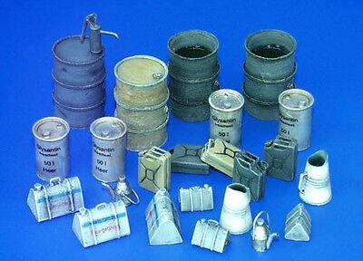 PLUS MODEL #115 WWII German Fuel-Stock Equipment für Diorama in 1:35