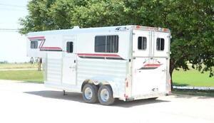 2013 4-Star Trailer 2 Horse Straight Load Gooseneck LIKE NEW