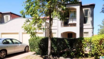 Rare 200SQM BIG Townhouse & Great Location - Calamvale centre