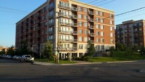 Metro Du College 2 bed-room 4 and 1/2 condo ,1330$/month