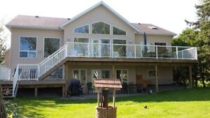 CHRISTMAS or NEW YEAR'S EVE  - NEW, EXEC BOBCAYGEON WATERFRONT