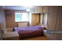 Studio flat in Avebury, Bracknell, RG12 (#1237800)
