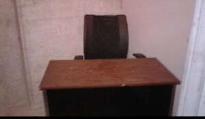 Desk an chair