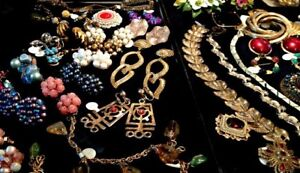 WANTED : Costume jewelry