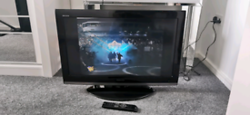 Toshiba 32 Inch Freeview Full HD TV