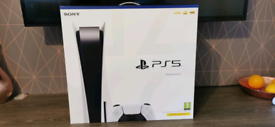 Playstation 5 ps5 disk version, new in sealed box, sold out everywere.