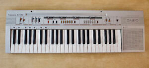 Vintage Casiotone CT-310 Synth Keyboard