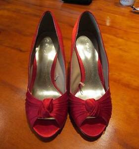 Red high heel shoes size 7 Tivoli Ipswich City Preview