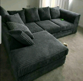New💥jumbo cord sofa with free delivery🚚