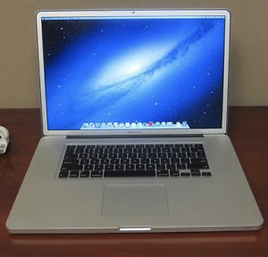"*RARE* MacBook Pro 17"" 2.5GHz Intel i7 16Go 1600Mhz 1TBSSD"