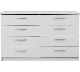 Collection Hallingford 4+4 Drawer Chest - White